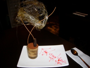 One of my fav for the night - DESSERT! For one who doesn't really have a sweet tooth - this won my heart. Zen-tirimisu presented once again as a piece of ART!